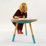 Stolik dla dzieci rysujących na okrągło