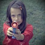 Zabawki militarne: czy to dobry pomysł na prezent?